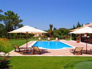 4 bedroom Villa in Quinta do Lago, Faro, Portugal : ref 5607949