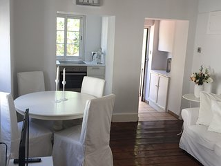 Central light and airy 2 Bed Apartment (more like mews property than apartment)