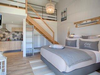 studio' Escalumade' dans la maison d'hotes de charme  'Villa Elisaia'