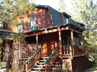 Log Cabin Getaway House