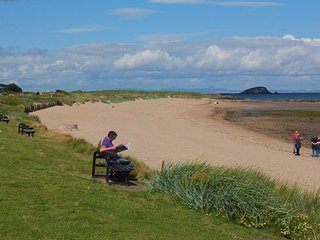 Beach House at North Berwick - Wonderful family & friends home by the beach in N