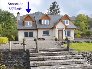 Shoreside Cottage - 1 bedroom home in Lochgoilhead village with loch & mountain