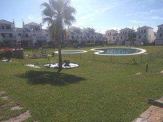 Bonito adosado en campo de golf Costa Esuri