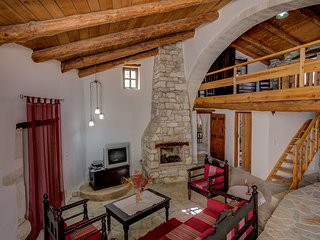 Ideal small family, traditional village close to beaches