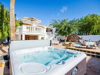 Nice villa with private pool in Callao Salvaje