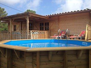 Magnifique maison bois climatisee avec piscine privative pour 4 personnes