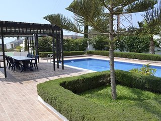 Luxurious 4 Bedrooms Villa with Swimming Pool T42035
