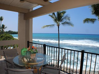 Stunning Oceanfront 3 bedroom & 2 bathroom