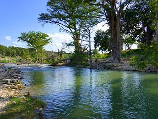 Blanco Rapids Ranch – A River Runs Through it Suite