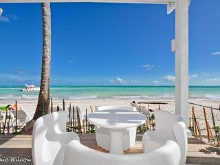 Playa Turquesa 1BR, 3BA Ocean view PH great breeze