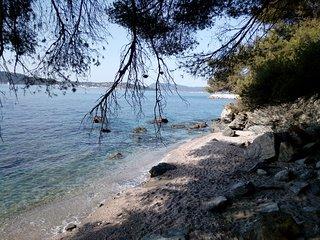 LOCATION 2 PIECES à 50m des plages