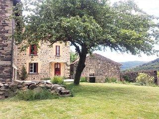 Gîte Chaleureux  Cantal Coeur d'Auvergne Rando,Baignade,Cascades &Découvertes