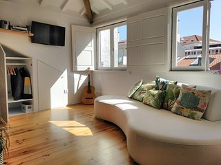 NEW-Romantic and light Oportloft with mezzanine 2/4 peoples
