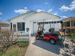 4 Seater Golf Cart Complimentary! Patio Villa mins from Lake Sumter Landing