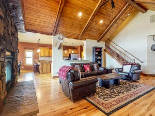 Fun family-friendly home w/private hot tub, firepit, and charming mountain views
