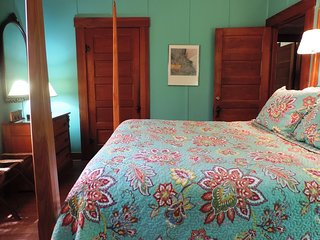 Oma Rosa | Fredericksburg Vacation Rental
