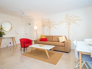 1-bedroom G/F Large Patio Apartment 100m to Patrolled Surfers Paradise Beach