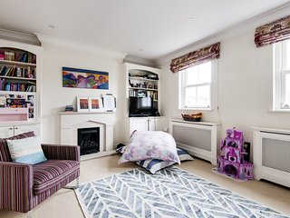 Lovely Putney Family Home by the Thames