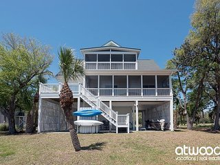 Sea Breeze - 4BR Pet Friendly Home w/ Amazing Views & Deep Water Dock