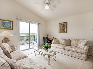 Lovely 5BR 4Bth Resort home with Private Pool, Spa and Gameroom