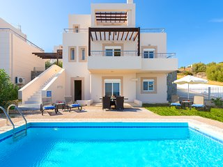 close to Lindos private Pool Villa with 180 degree ocean view