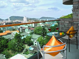 Emerald: Seaview Studio in Patong!
