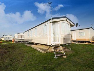 6 berth caravan D/G, C/H. Near amenities. At St Osyth Holiday Park. REF 28011GC