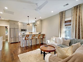 Hip Hideaway in Up-And-Coming Neighborhood Near Downtown 2BR Complete Remodel