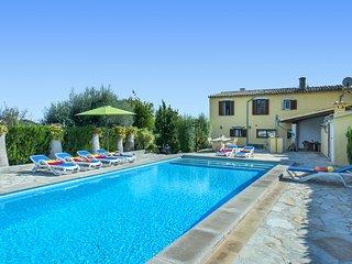 Disfruta en Villa Alqueria Alt con Piscina Privada y Excelentes Vistas