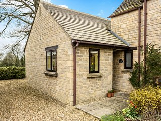 Beautiful Cotswold retreat, tucked away in the rural village of Langford