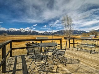 Secluded Buena Vista Home w/Mtn Views & Hot Tub!