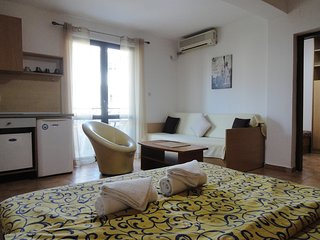 Apartments Mare - apartment for 5 near the beach