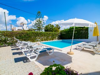 Villa 4 Bedrooms Swimmingpool Wifi 5 min to the beach
