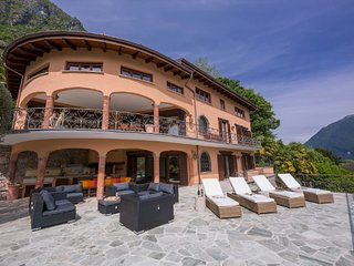 Cressogno Villa Sleeps 16 with Pool Air Con and WiFi - 5841410