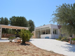 Villa for 4 with garden, style & relax in Puglia