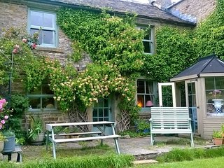 Intake Cottage , Low Row, Swaledale, Yorkshire Dales , National Park, hol home
