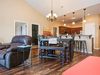 The Penthouse at Eagles Ridge (ER 51-14) NEW 4 BR/2 Bath w/ Elevator