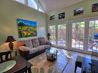 Colony Calypso - A quaint 1 Bedroom Cottage just two blocks to Duval