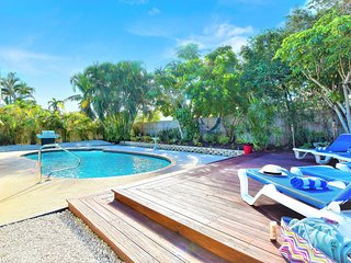 Villa Paradiso near PGA Blvd with a large private pool