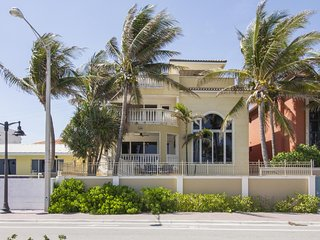 Elegant home by the beach w/ private hot tub, roof-top terrace, & ocean views