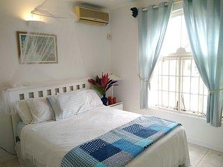 Blue Horizons penthouse 2 bedroom seaview Condominium
