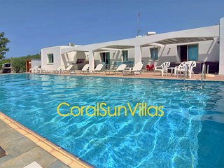 Great Villa in Wonderful area Near the Sea (300m) Amazing Huge Pool and Garden