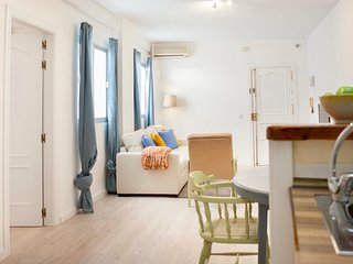 Santos 2: A quite 1 bedroom apartment. Malaga Centre