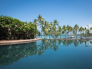Choice Condo w/ Pool, Spa, Ocean View - Near Prime Snorkeling, Kahalu'u Beach