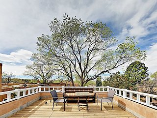 Rooftop Deck Views & Garden Courtyard! 2BR Casa Las Rosas - 3 Blocks to Plaza