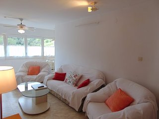 Large 2 bedroomed apartment. Seviews, air con and wifi.