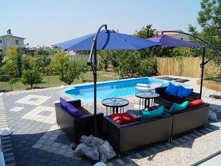 Ferienhaus M&M mit Außenpool