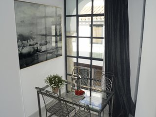 Luxury 2 bedrooms  Duplex with terrace next to the Mosque Cathedral