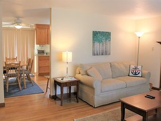 LONG POND BEACH AREA PET-FRIENDLY JUST QTR. MILE TO THE BIKE TRAIL!