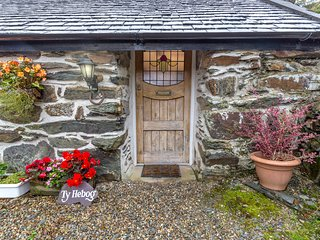Ty Hebog Self catering cottage for 2